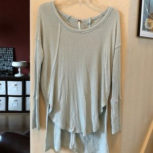 Free people xs tunic in a pale green.